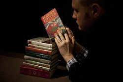 """ประมูล""""แฮร์รี่ พอตเตอร์กับศิลาอาถรรพ์""""ฉบับพิมพ์ครั้งแรก สร้างสถิติกว่า 6 ล้านบาท"""