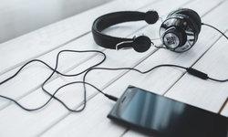 ทำไมบางคนถึงฟังเพลงเดิมซ้ำ ๆ ได้เป็นเดือนเป็นปี