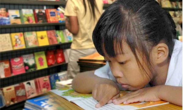 """ผลสำรวจใหม่คนไทยอ่านหนังสือเฉลี่ย 66 นาทีต่อวัน """"ไม่ใช่ 8 บรรทัดต่อปี"""""""