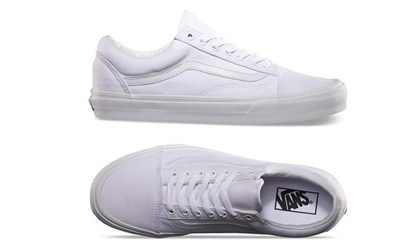 ไอเท็มฮิตตลอดกาลกับ10 รองเท้าผ้าใบสีขาว ที่คุณควรมีติดตู้ซักคู่
