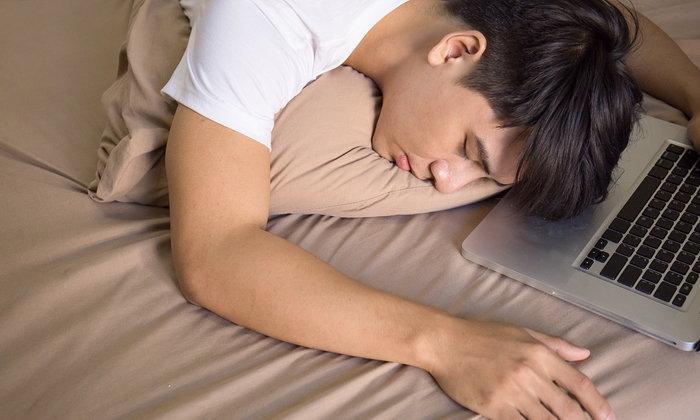 """""""อยากตื่นให้ตรงเวลา"""" ควรนอนเวลาไหน เรามีเคล็ดลับมาฝาก เข้าเรียนไม่สายแน่นอน"""