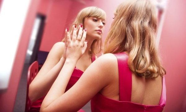 17 ข้อ ที่บ่งบอกว่า คุณมีความผิดปกติทางจิต เป็นโรคหลงตัวเอง