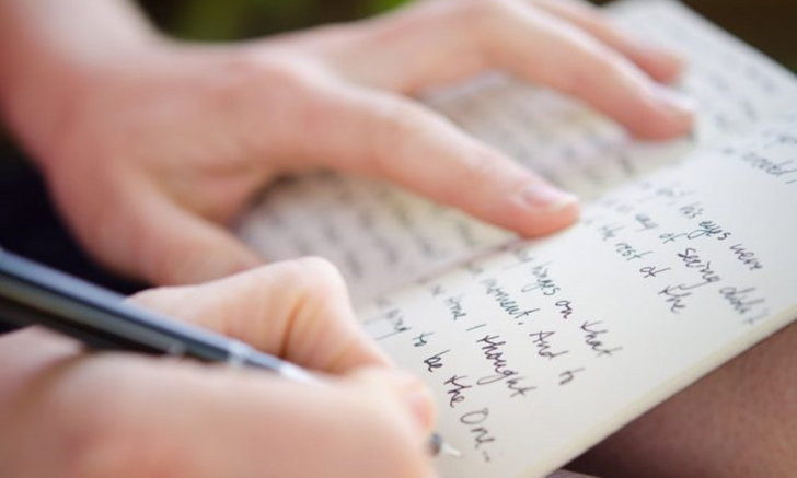 """เพิ่งเจอไปตะกี๊ แต่จู่ ๆ ลืมเฉยเลยว่า """"คำนี้"""" เขียนยังไง"""