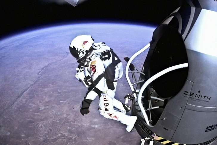 red-bull-stratos-mission-atte
