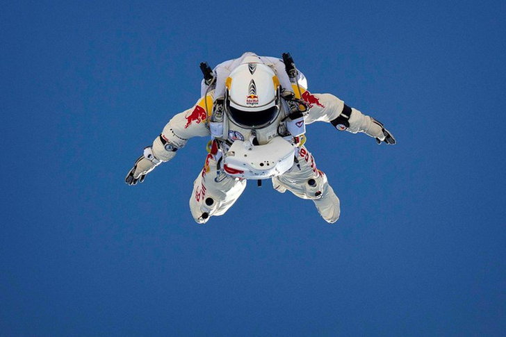 red_bull_stratos_free_fall