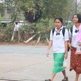 จับคู่ผ้าไทยกับชุดนักเรียน