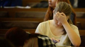 """ไม่น่าล่ะ เด็กไทยคะแนนสอบไม่ดี! ทีมวิจัย ม.ฮาร์วาร์ด ชี้ """"ยิ่งร้อน ผลสอบยิ่งร่วง"""""""