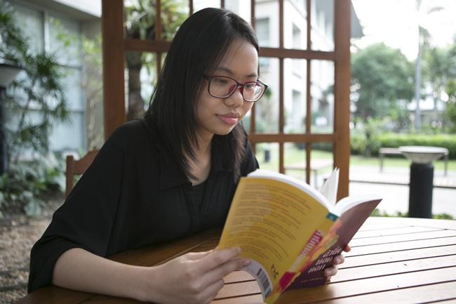 จิดานันท์ เหลืองเพียรสมุท นักเขียนซีไรต์ประจำปี 2017