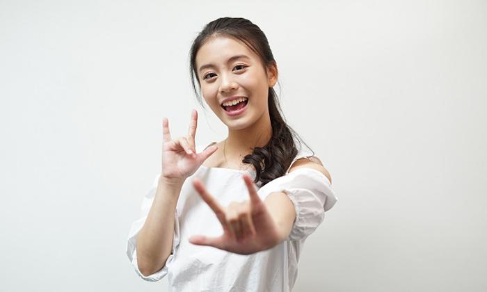 """ร่วมลุ้นเรียนภาษาไทยในสไตล์คุมองกับน้องฟ้อนด์หรือ """"แม่แก้ว"""" ลูกสาวหน้าหวานของแม่นายการะเกด"""