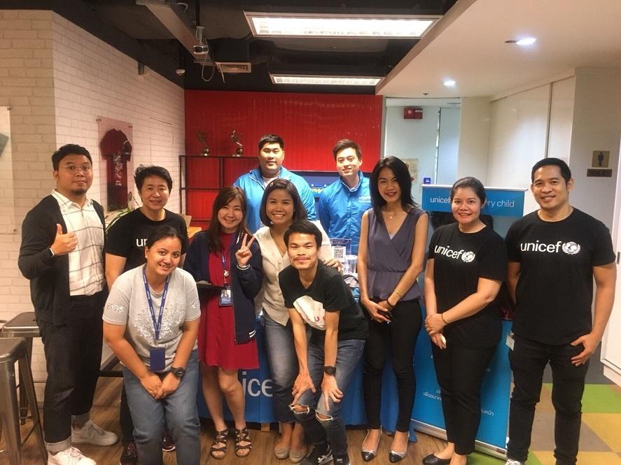 พนักงาน เทนเซ็นต์(ประเทศไทย) กับ UNICEF และ Socialgiver ใน กิจกรรม Tencent Build The Future