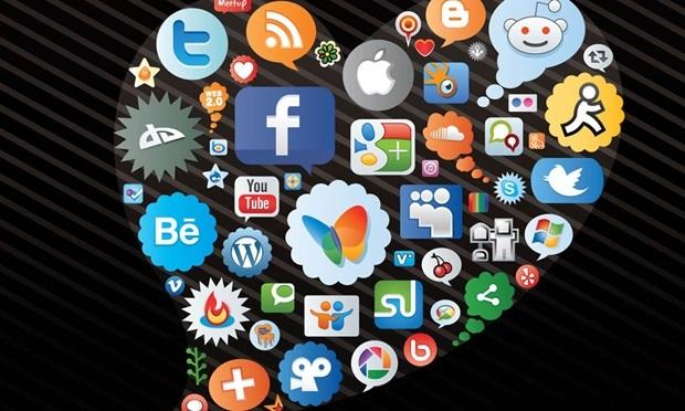 ผลสำรวจเผย เล่น Social Network มากๆ เป็นผลดีต่อบริษัท