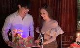 """""""เกรซ กาญจน์เกล้า"""" เปิดตัวหนุ่มหล่อตี๋ในปาร์ตี้วันเกิด ทำเพื่อนๆ บ่นเหม็นความรัก"""
