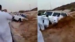 น้ำท่วมทะเลทราย ซาอุฯ เร่งอพยพอูฐและผู้คน ดับแล้ว 35 ราย