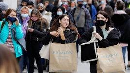 วิเคราะห์พฤติกรรมการช้อปปิ้ง: ซื้อของด้วยความจำเป็นหรืออารมณ์ชั่ววูบ?