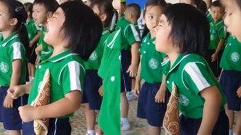 เอ็นดู เด็กน้อยน่ารัก ร้องเพลงชาติ อินเนอร์มาเต็ม!!