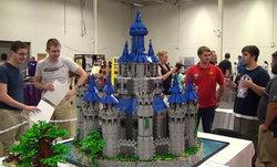หนุ่มวัย 19 ทุ่มเทเวลา 2 ปีสร้างปราสาท Hyrule จากตัวต่อ LEGO