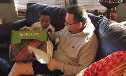 8 ปียังไม่สาย ลูกเอาคืนพ่อ หลังเคยให้ของขวัญเป็นเครื่อง Xbox ของปลอม