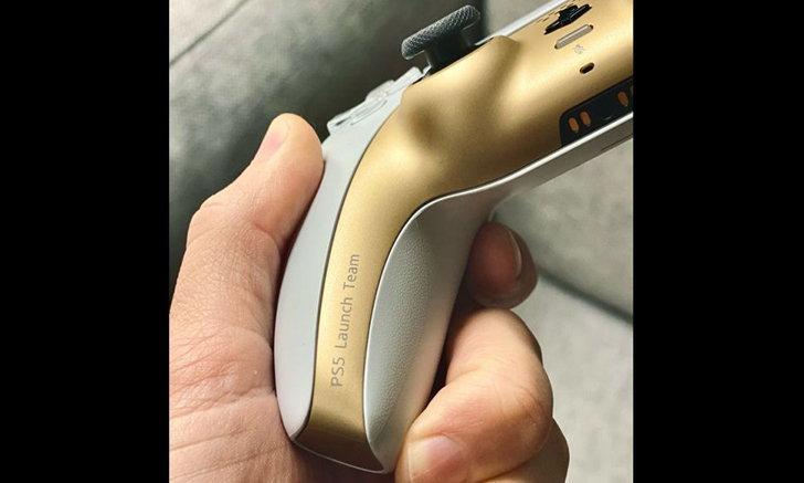 Sony จัดทำจอย DualSense ของสีทองของ PS5 ให้กับพนักงานโดยเฉพาะ