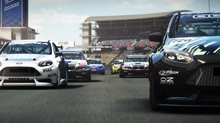 นักแข่งรถยอดความสามารถ แจกให้ลองของ ทดลองความเร็วกันวันนี้