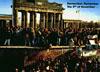 รัฐบาลคอมมิวนิสต์ของเยอรมนีตะวันออกเริ่มทะลายกำแพงเบอร์ลิน