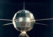 ดาวเทียม ดงฟางหง 1 (Dong Fang Hong 1) ดาวเทียมดวงแรกขึ้นสู่ห้วงอวกาศ