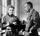 มารี คูรี (Marie Curie) และ ปิแอร์ คูรี (Pierre Curie)