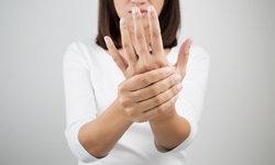 ชาปลายมือปลายเท้า เป็นโรคอะไร?