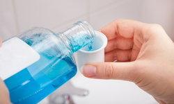 """""""น้ำยาบ้วนปาก"""" ใช้ไม่ถูกวิธี เสี่ยงช่องปากพังหนักกว่าเก่า"""