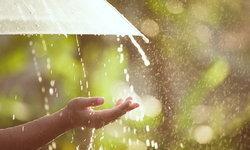 เคล็ดลับดูแลตัวเองง่ายๆ เมื่อเปียกฝน