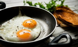 """เหตุผลทำไมเราถึงควรเพิ่ม """"โปรตีน"""" ลงไปในอาหารเช้าให้มากขึ้น"""