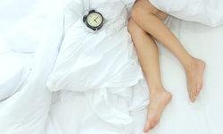 """อาการ """"ขาอยู่ไม่สุข"""" คันขายุบยิบ ทำคุณภาพการนอนแย่"""