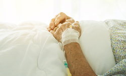 """""""แผลกดทับ"""" ภัยร้ายที่ต้องรู้ เพื่อสุขภาพของผู้ป่วยติดเตียง"""