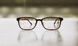 """""""แว่นตา"""" กับสารพัดคำถามที่ควรรู้ก่อนใส่"""