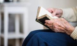"""คนไม่รู้หนังสือมีโอกาสเกิด """"ภาวะสมองเสื่อม"""" มากกว่าคนทั่วไป 2-3 เท่า"""