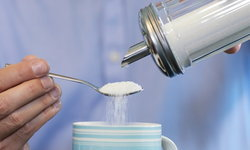 """วิจัยชี้ การบริโภค """"น้ำตาล"""" ให้ผลไม่ต่างจากการ """"เสพยา"""""""