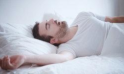 """นอนกรนอันตราย! เช็กอาการเสี่ยง """"หยุดหายใจขณะหลับ"""""""