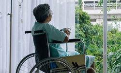 """รู้จัก Elder Abuse ปัญหาทารุณกรรม """"ผู้สูงอายุ"""" ที่พบมากไม่แพ้เด็ก"""