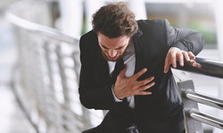 """ภาวะ """"หัวใจล้มเหลว"""" เกิดขึ้นได้แม้อยู่ในวัยหนุ่มสาว-ร่างกายแข็งแรง"""