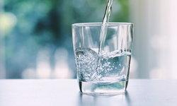"""เช็กด่วน! ใครบ้างที่ไม่ควรดื่ม """"น้ำแร่"""" จากน้ำบาดาล"""