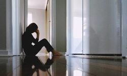 วิธีรับมือเมื่อสูญเสียใครสักคน (5 Stages of Grief)