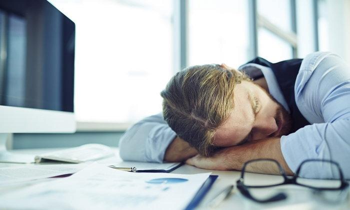 """7 ประโยชน์ของการ """"นอนกลางวัน"""""""