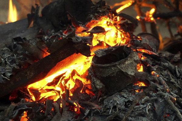 เตือนเผา′โฟม-พลาสติก′อันตรายรับก๊าซพิษ′สไตรีน-ไดออกซิน′
