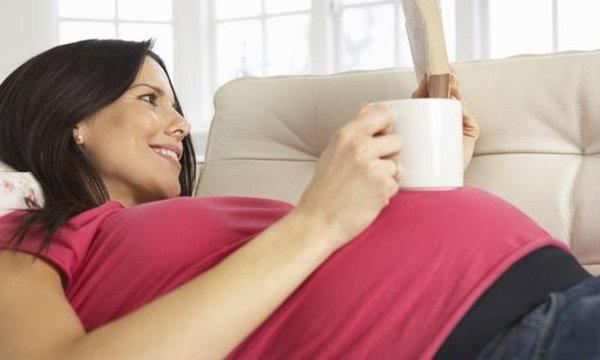 """ผลวิจัยใหม่ยัน """"ตั้งครรภ์""""ก็ดื่มกาแฟได้! ไม่ทำให้ลูกไอคิวต่ำ"""