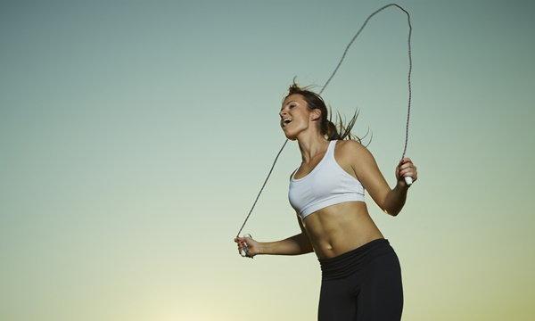 เคล็ดลับ! กระโดดเชือกลดน้ำหนักอย่างไรให้ได้ผลชัวร์