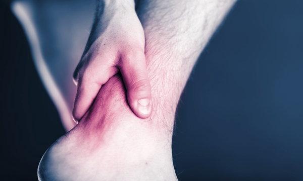 ฉีดเกล็ดเลือด... รักษาเอ็นข้อเท้าอักเสบ