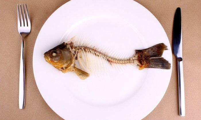 กลืนข้าวปั้นเพราะก้างปลาติดคอ อันตรายหรือไม่?
