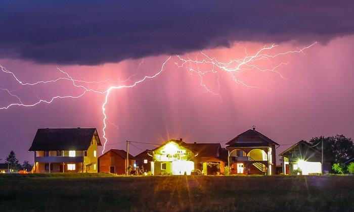 ระวัง! ฝนตกฟ้าผ่าช่วงบ่ายถึงเย็น หลังพบบาดเจ็บ 24 เสียชีวิต 8