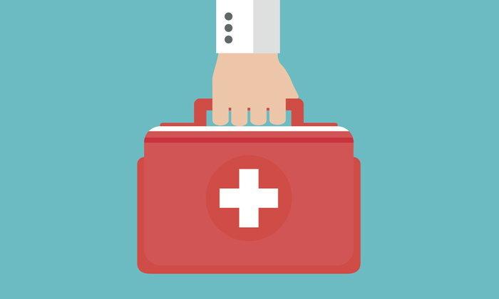 แพทย์อเมริกันใช้อุปกรณ์ฉุกเฉินช่วยเหลือผู้ป่วยหัวใจวาย
