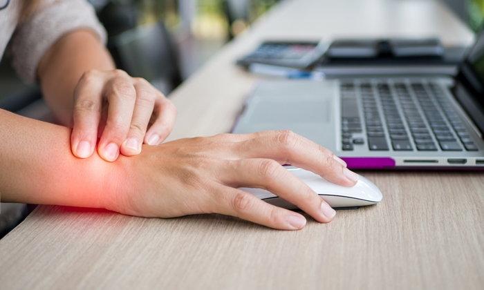 """ใช้งานข้อมือไม่ระวัง! เสี่ยง """"โรคกดทับเส้นประสาทข้อมือ"""""""