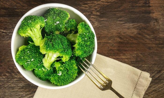 """8 สุดยอดอาหารสมอง เสริมสร้างความจำ ป้องกัน """"สมองเสื่อม"""""""